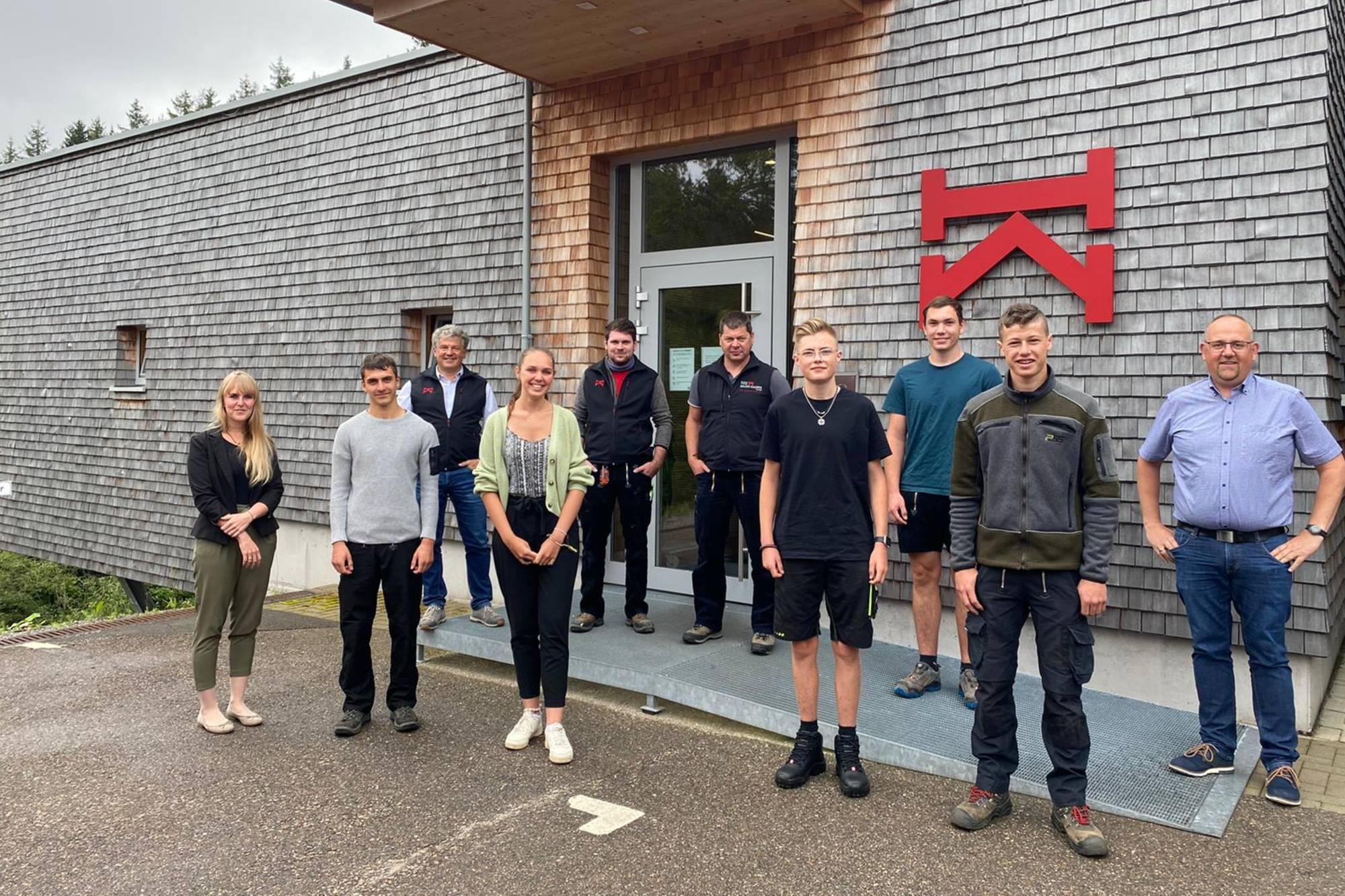 Acht neue Nachwuchskräfte bei HBK